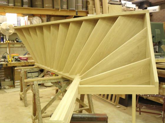 Open eiken trap met bovenkwart - De trap van de bistro ...